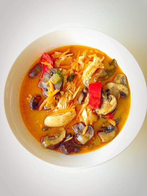 thai coconut chicken soup, paleo, lunch, fall, thai, little sprouts kitchen, food, soup