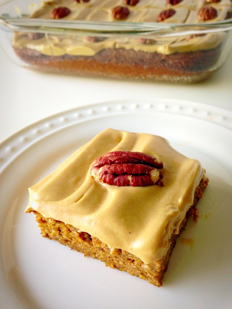 butter pecan pumpkin bars, paleo, pumpkin cake, gluten free, little sprouts kitchen
